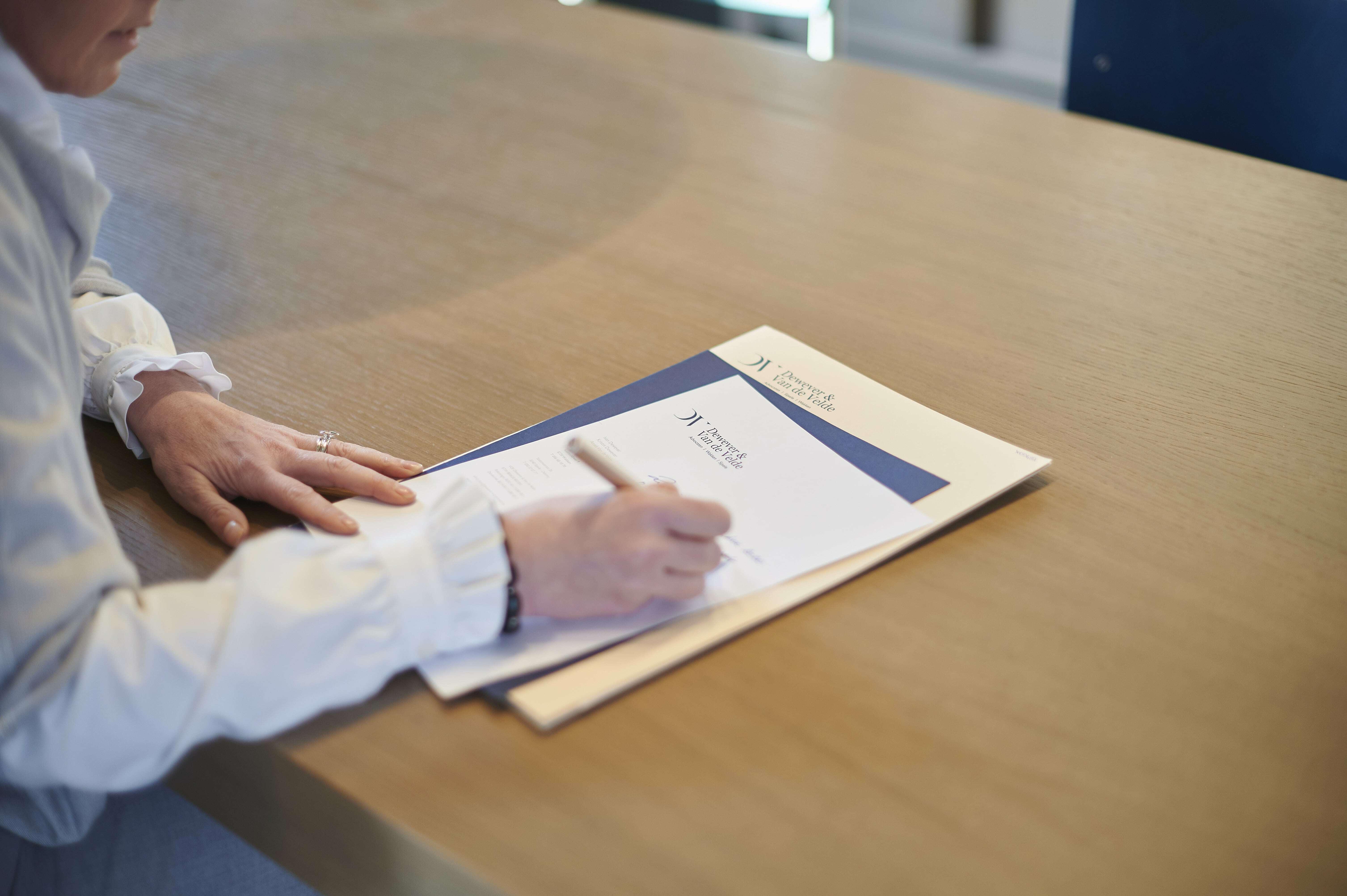 Ondertekende documenten Dewever & Van de Velde